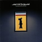 [Album] Jamiroquai – Travelling Without Moving (20th Anniversary Deluxe Edition)[FLAC + MP3]